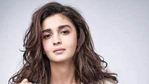 Cantiknya Alia Bhatt, Bintang Mahal India