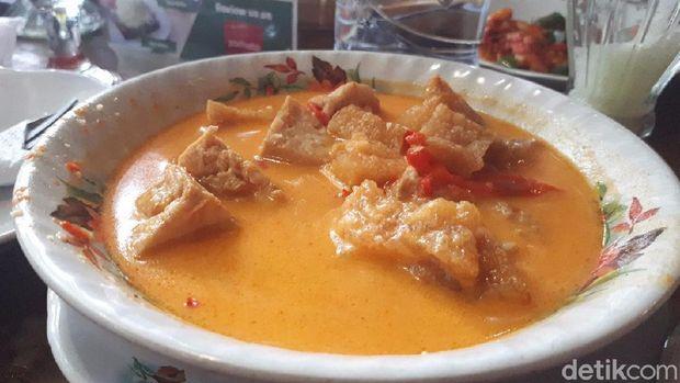 Salah satu menu Presiden Jokowi, krecek.