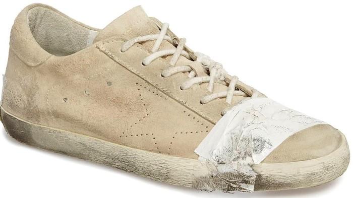 Superstar Taped Sneaker, sepatu dengan detail tambalan yang dijual jutaan rupiah. Foto: Dok. Golden Goose