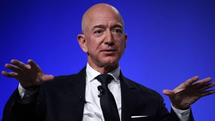NATIONAL HARBOR, MD - SEPTEMBER 19:  Amazon CEO Jeff Bezos, founder of space venture Blue Origin and owner of The Washington Post, participates in an event hosted by the Air Force Association September 19, 2018 in National Harbor, Maryland. Bezos talked about innovating in large organizations as well as staying on the cutting edge in the space industry.  (Photo by Alex Wong/Getty Images)