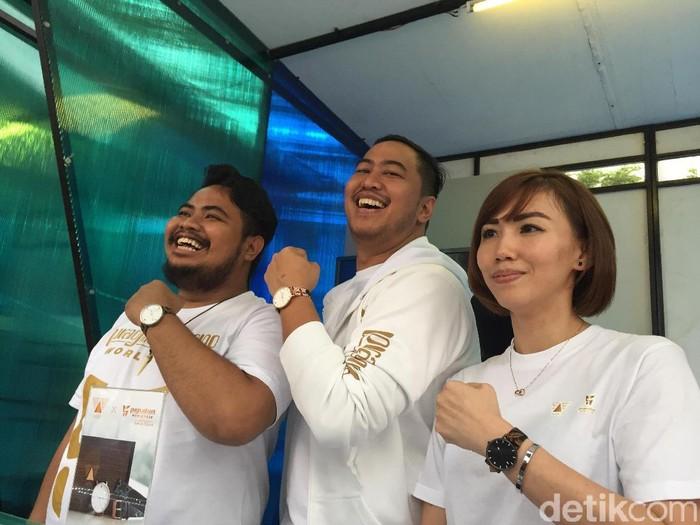 Jam tangan batik jam koleksi kolaborasi terbaru Wishwatch dan komedian Pandji Pragiwaksono.Foto: Daniel Ngantung/Wolipop