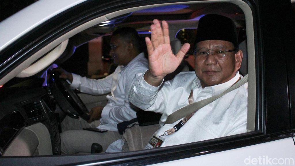 Prabowo-Sandiaga Tiba di KPU Siap Ikut Pengundian Nomor Urut