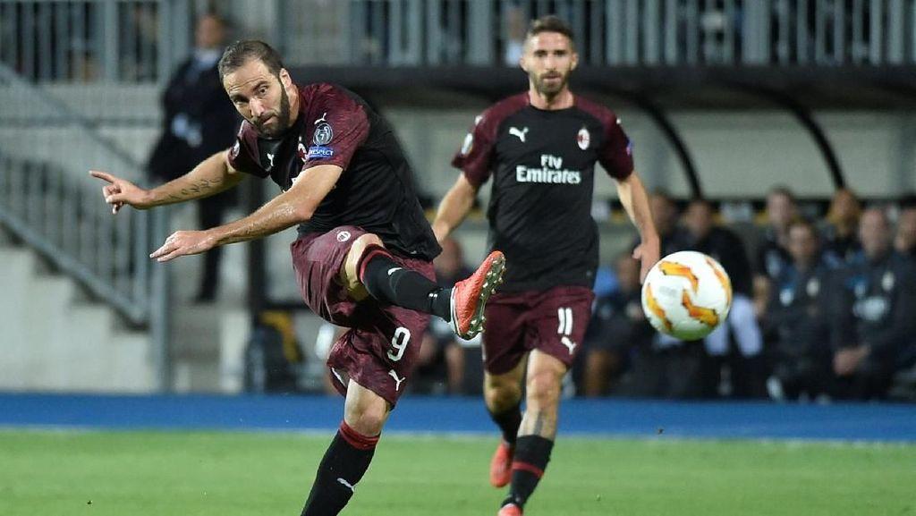 Milan Menang Berkat Higuain