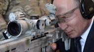 Potret Presiden Vladimir Putin Pose dengan Senjata Sniper Baru