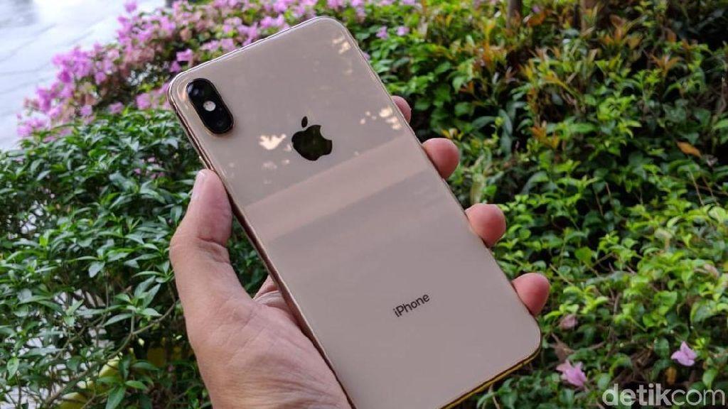 Orang Indonesia Kerja 1.538 Jam Agar Terbeli iPhone XS Max