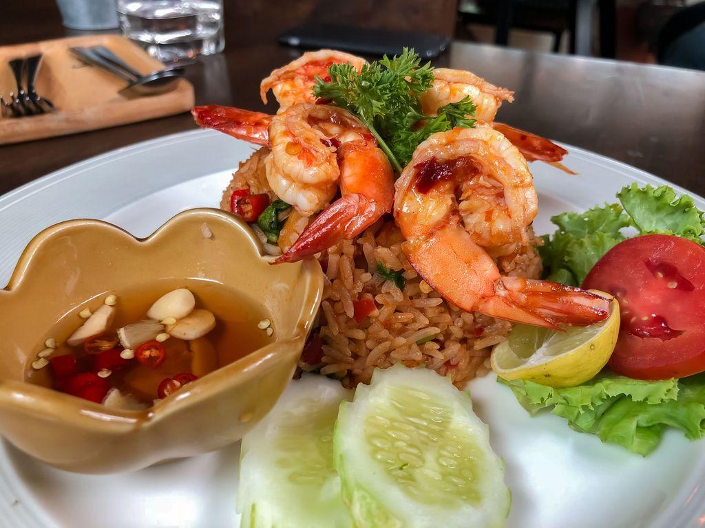 fried rice,food,thai,eat,herb,spicy