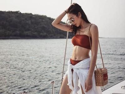 Liburan ke Pantai ala Ploypayap, Sosialita Tajir & Seksi Thailand