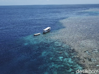 Foto Drone: Wakatobi Mencuri Hati