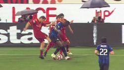Totti Tendang Balotelli Dulu itu Karena ...