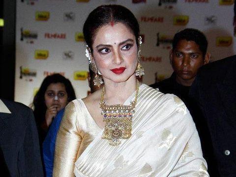 Ini Rekha, selingkuhan Amitabh Bachchan