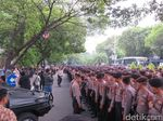Saat KPU Dihujani 5.000 Aparat Keamanan