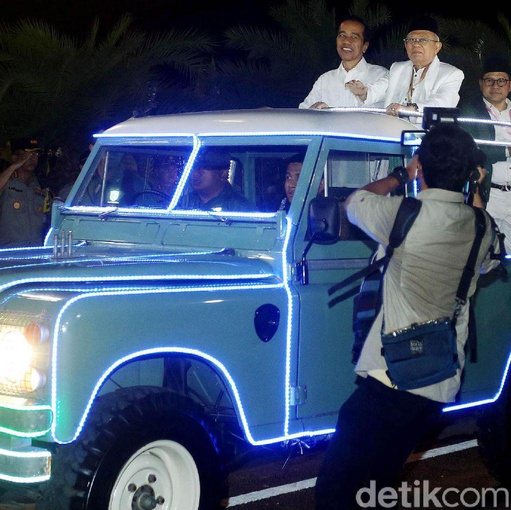 Beda Cara Jokowi-Maruf dan Prabowo-Sandi Ambil Nomor Urut ke KPU