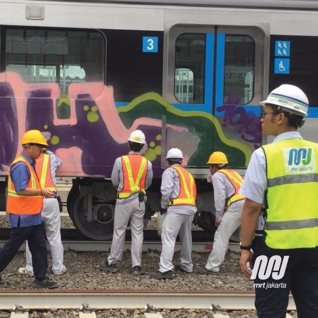 Kereta MRT Dicoret-coret, Menhub: Nggak Habis Pikir, Kok Tega?