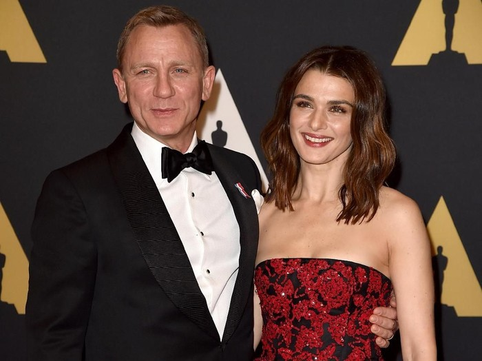 HOLLYWOOD, CA - NOVEMBER 14:  Actors Daniel Craig (L) and Rachel Weisz attend the Academy of Motion Picture Arts and Sciences 7th annual Governors Awards at The Ray Dolby Ballroom at Hollywood & Highland Center on November 14, 2015 in Hollywood, California.  (Photo by Kevin Winter/Getty Images)