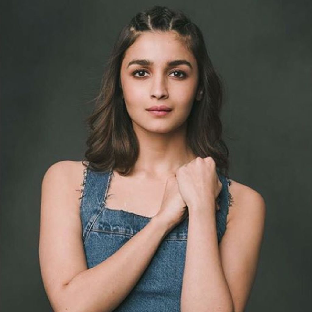 Pesona Alia Bhatt, Bintang Generasi Millenial di India