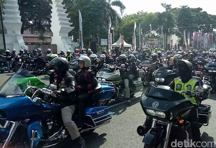 Ratusan Harley-Davidson buat sesak Banyuwangi