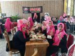 Emak-emak di Banyuwangi Ini Bentuk Partai Dukung Prabowo-Sandi