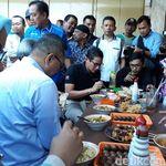 Makan Soto Pinggir Jalan, Sandi Sebut UKM Tahan Krisis