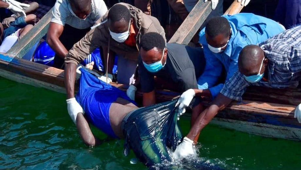 Kelebihan Muatan, Kapal Feri Tenggelam di Tanzania