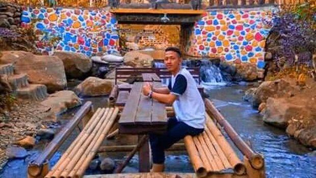 Pingin Bersantap Di Tengah Aliran Sungai Datang Saja Ke Banyu Biru