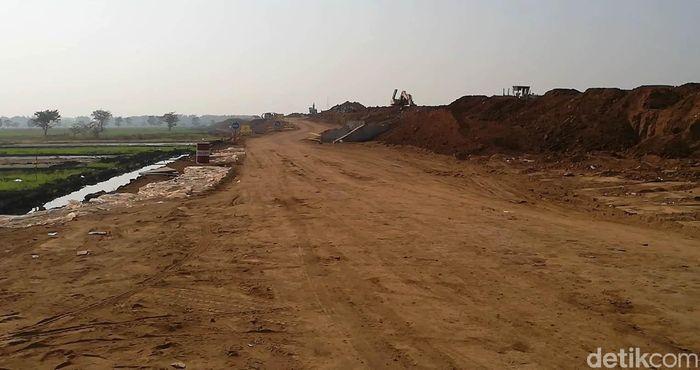 Ruas tol yang membentang dari Kelurahan Bukir Kecamatan Gadingrejo Kota Pasuruan hingga Desa Karangpandan Kecamatan Rejoso Kabupaten Pasuruan ditargetkan rampung pada Desember 2018.