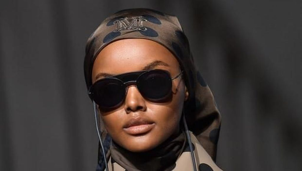 Makin Hits, Model Berhijab Kembali Eksis di Milan Fashion Week