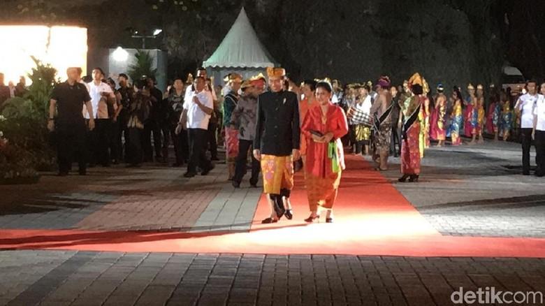 Foto: Presiden Jokowi meresmikan Patung GWK di Bali. (Aditya Mardiastuti/detikTravel)