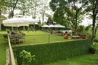 Sejuk Pisan! 5 Restoran di Bandung Ini Punya Konsep Menyatu dengan Alam