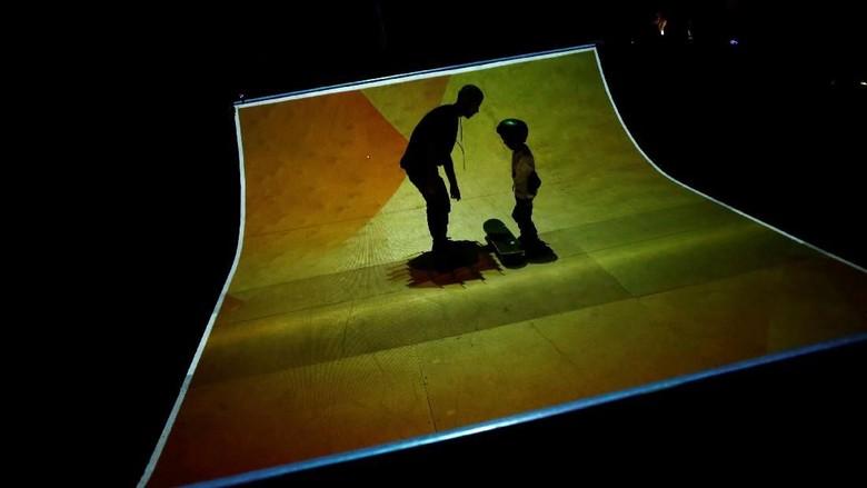 Kerennya Arena Skateboard Bermandikan Cahaya