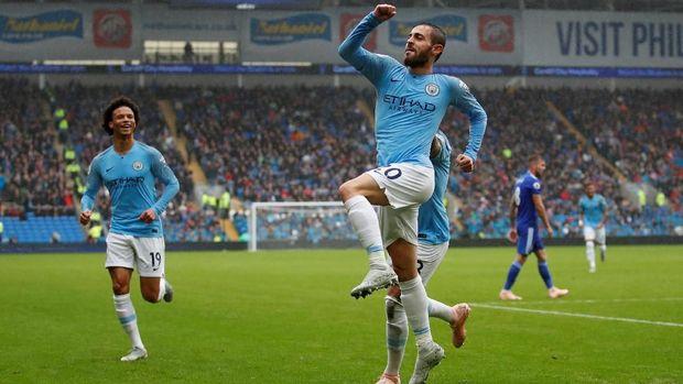 Bernardo Silva mencetak gol kedua Manchester City ke gawang Cardiff. (
