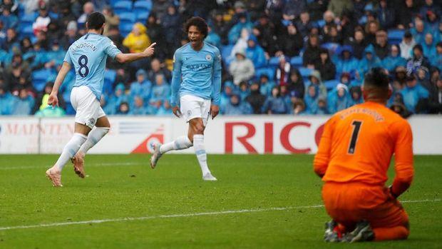 Ilkay Guendogan mengakui beban lebih besar dirasakan Manchester City dibandingkan Liverpool. (