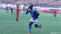 Ezechiel NDouassel Selangkah Lagi Tinggalkan Persib Bandung