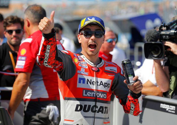 Jorge Lorenzo sebenarnya punya potensi dapat hasil oke di MotoGP Aragon. Dia memulai balapan dari posisi paling depan. (REUTERS/Heino Kalis)