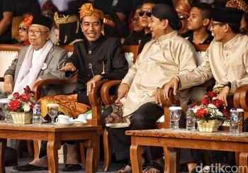 Semringahnya Jokowi dan Prabowo Bikin Hati Adem