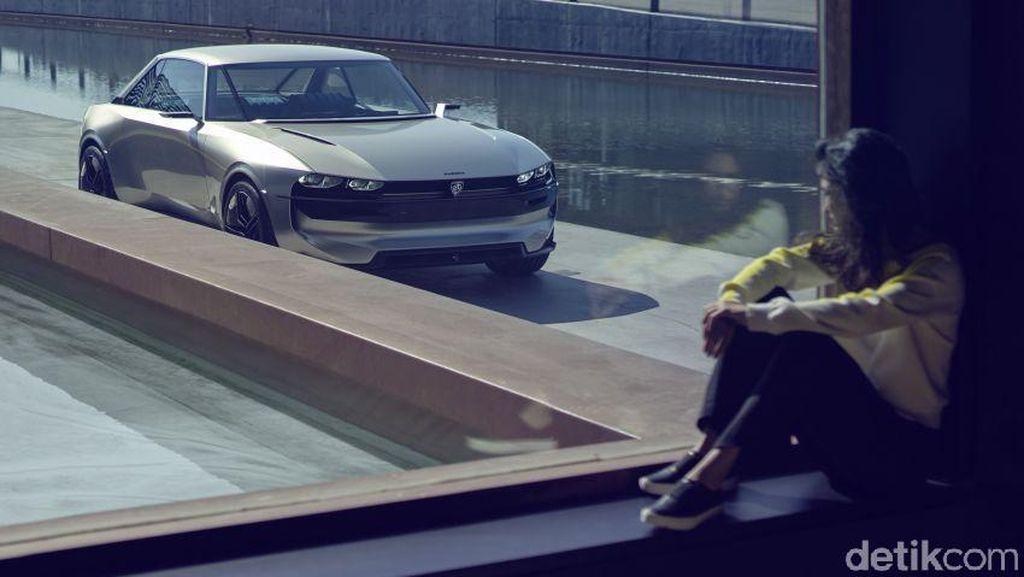 Mobil Listrik Bergaya Klasik