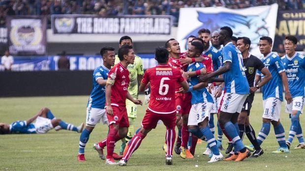 Persib masih akan memperebutkan peringkat ketiga klasemen Liga 1 saat melawan Barito Putera.