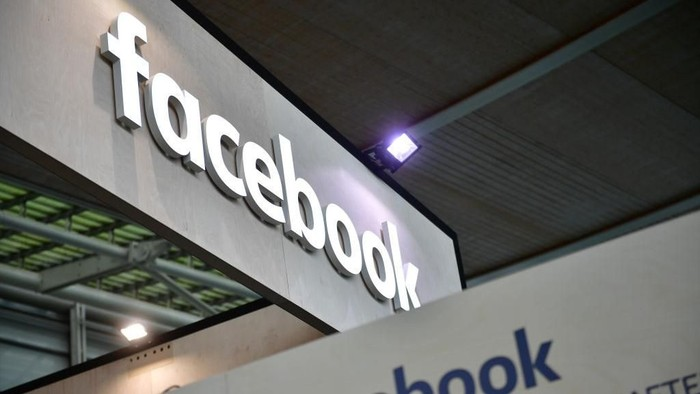 Facebook memberi 10 tips mengidentifikasi hoax (Foto: Alexander Koerner/Getty Images)