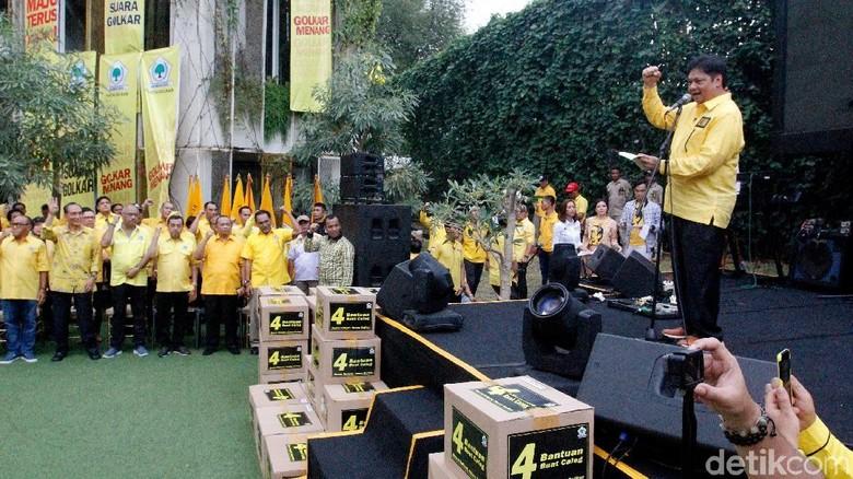 Awali Masa Kampanye, Airlangga Lepas Caleg Se-Indonesia