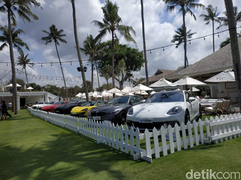 Prestige Pamer Mobil Mewah di Bali. Foto: Ridwan Arifin