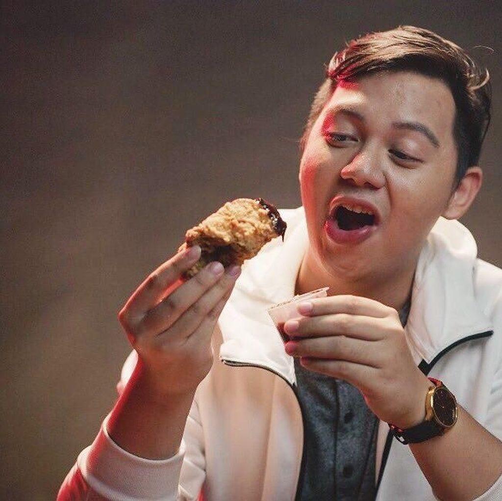 Alasan Kaesang Buka Sang Pisang di Cirebon dan Pose Chandra Liow Makan Es Krim