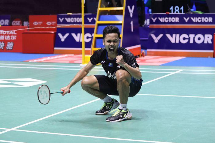 Dalam babak final di Olympic Sports Center Xincheng Gymnasium, Minggu (23/9), Anthony mengunci gelar juara usai memenangi laga dua gim. Dok. Humas PBSI.