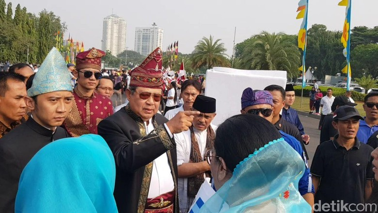 Protes Atribut Pro-Jokowi, SBY WO dari Kampanye Damai Pemilu 2019!