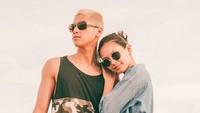 Yang terbaru, ia mengunggah foto mesra bersama sang kekasih, Alyssa Daguise. Foto: Instagram Al Ghazali