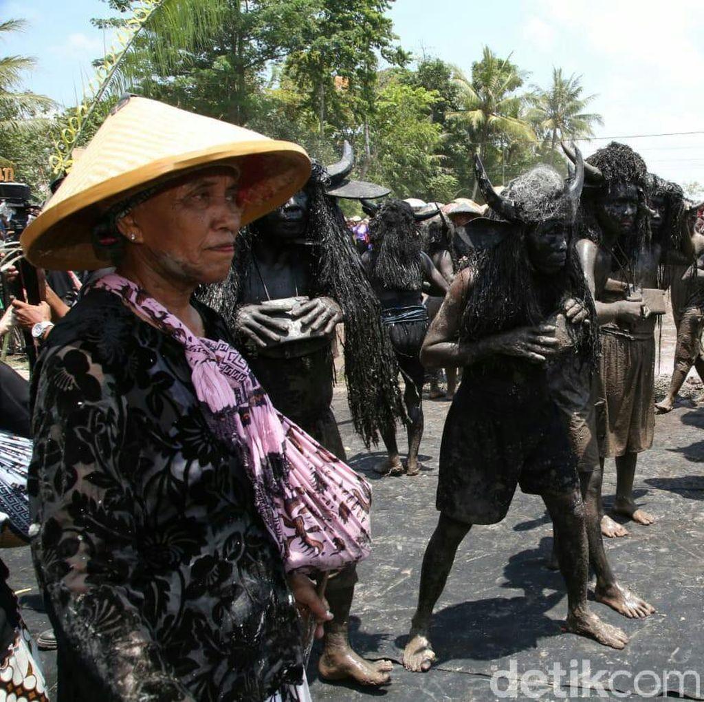 Ritual Kebo-keboan di Banyuwangi Spektakuler, Tapi Tetap Sakral