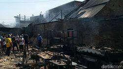 Gudang Sandal di Sidoarjo Terbakar, 8 Rumah Turut Terjilat Api