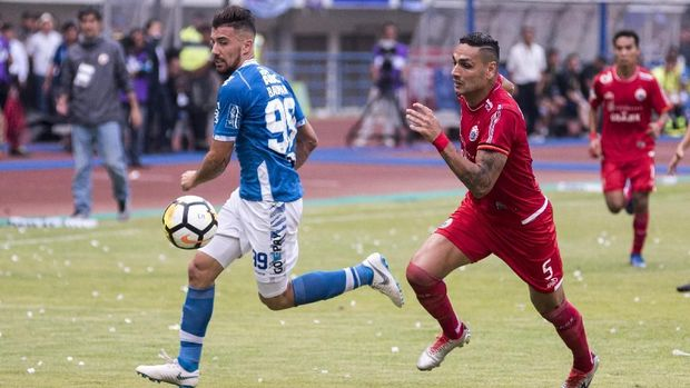 Ertick Thohir tertarik membenahi Liga Indonesia.