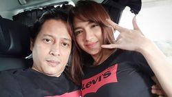 Jose Poernomo Pamer Foto Mesra dengan Angel Karamoy di Dalam Mobil