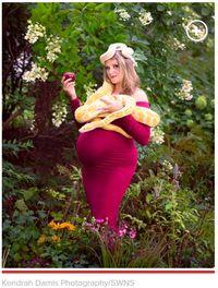 Ibu Ini Berpose dengan Ribuan Lebah dan Ular di Foto Kehamilan/