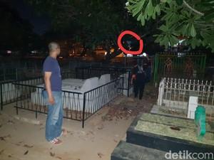 Viral Penampakan Hantu di Kuburan Saat Razia Waria, Ini Faktanya!