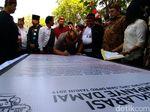 Pelepasan Merpati Iringi Deklarasi Kampanye Damai di Surabaya